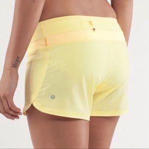 Lululemon Groovy Run Short Sz 6 In Yellow